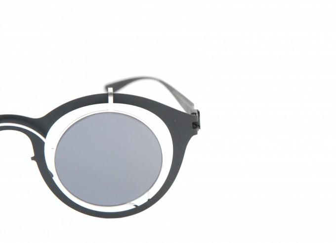 マイキータ/ダミール・ドーマ BRADFIELD Silver/Black Dark Grey Solid